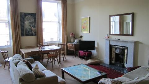 Three bedroom property to let, Albany Street, New Town
