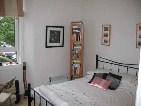 One bedroom property to let, Dickson Street, Leith