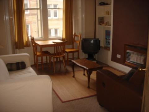 Two bedroom property to let, Tay Street, Polwarth