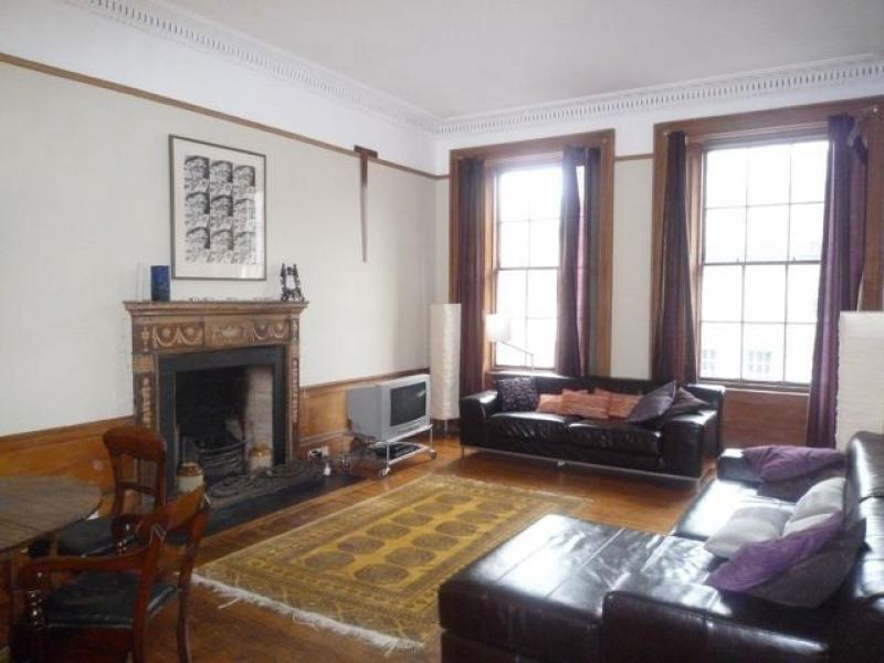 Three bedroom property to let, Dundas Street, New Town