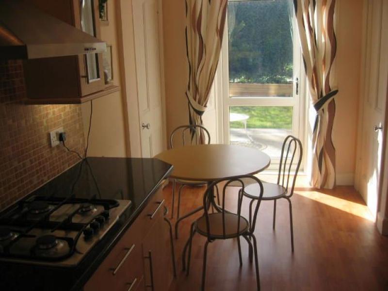 Two bedroom property to let, Montpelier Park, Bruntsfield