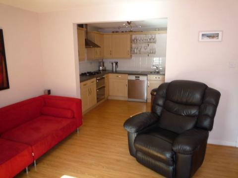 Two bedroom property to let, Dalry Gait, Haymarket