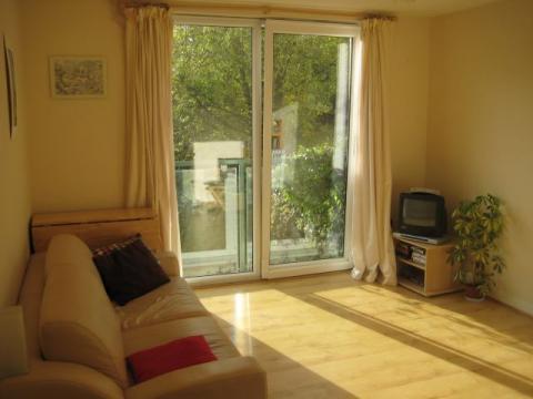 One bedroom property to let, Castle Wynd South, Grassmarket
