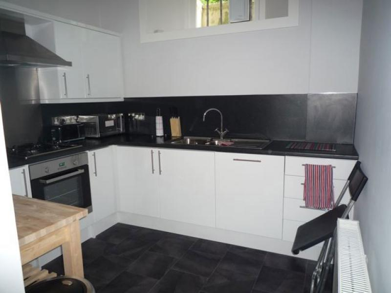 Two bedroom property to let, Hart Street, New Town