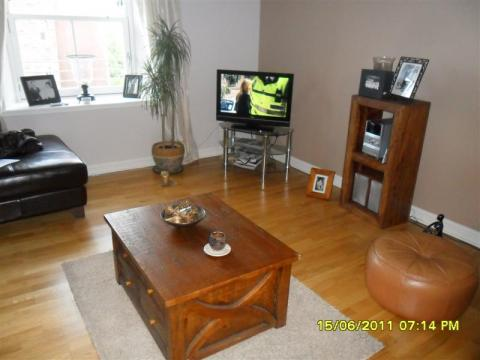 Two bedroom property to let, Hermand Crescent, Shandon