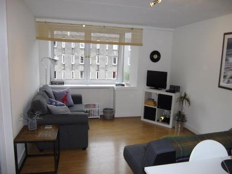 Two bedroom property to let, Saunders Street, Stockbridge