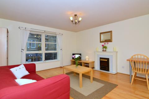 One bedroom property to let, Rodney Place, Broughton