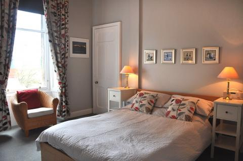 One bedroom property to let, Mcdonald Road, Leith Walk