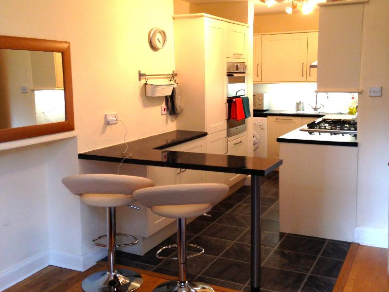 Two bedroom property to let, Leslie Place, Stockbridge