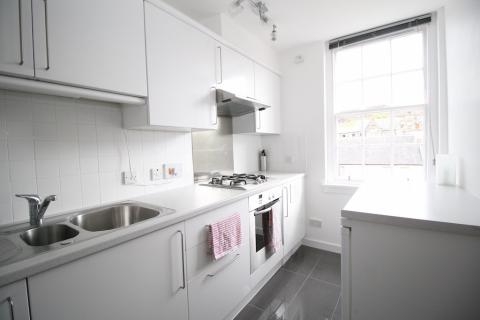 Two bedroom property to let, Nicolson Street, Old Town