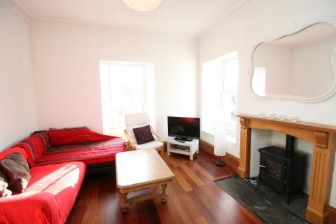 Two bedroom property to let, Raeburn Place, Stockbridge
