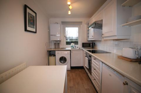 Two bedroom property to let, Boat Green, Canonmills