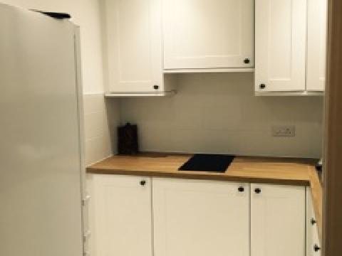 One bedroom property to let, Manor Place, West End