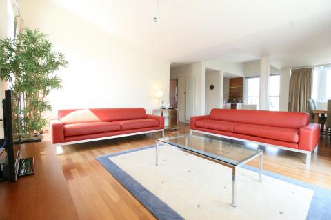 Three bedroom property to let, Holyrood Road, Holyrood