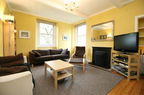 Two bedroom property to let, Northfield Avenue, Meadowbank