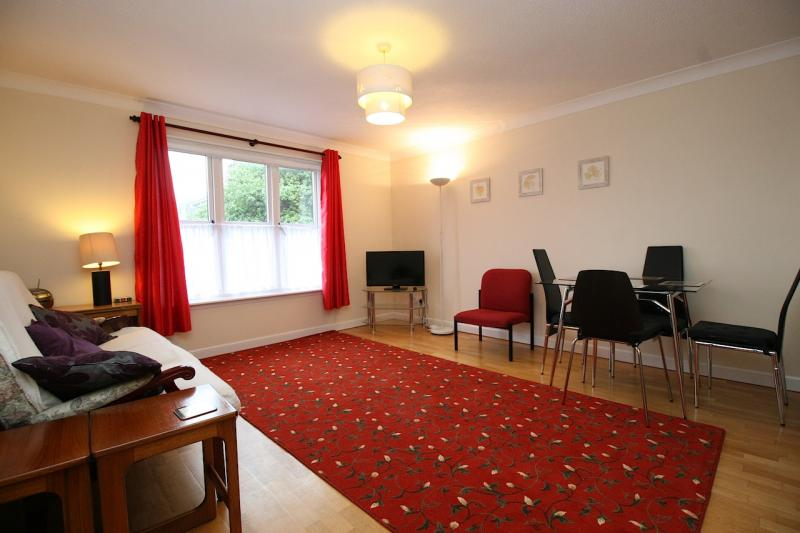 Two bedroom property to let, South Gray Street, Newington