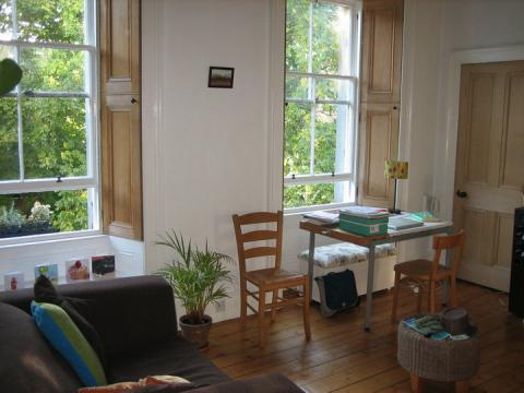 Two bedroom property to let, Gladstone Terrace, Marchmont