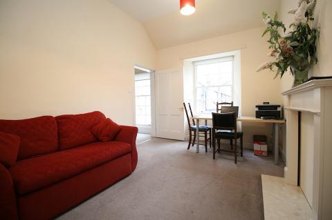 One bedroom property to let, Palmerston Pl Lane, West End