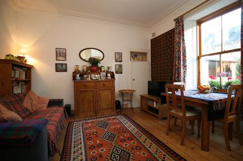 One bedroom property to let, Waverley Place, Abbeyhill