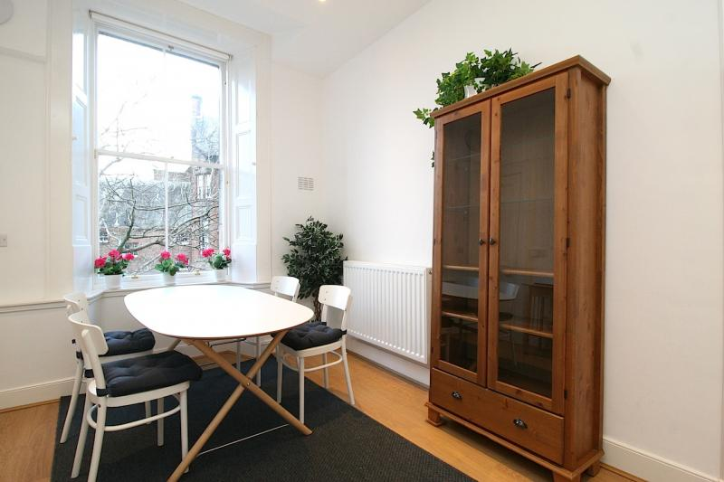 Three bedroom property to let, Gillespie Crescent, Bruntsfield