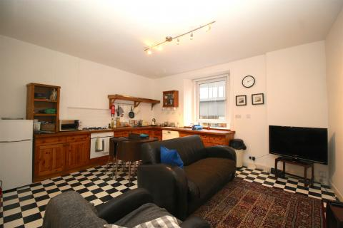 Two bedroom property to let, Eyre Terrace, New Town