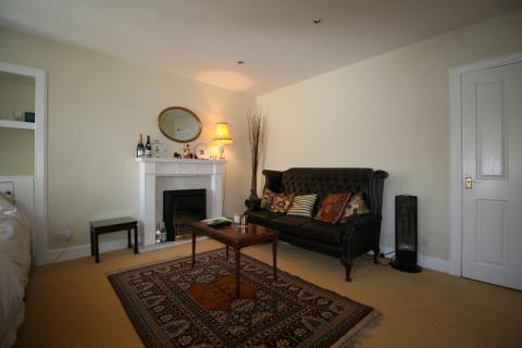 One bedroom property to let, Windsor Street, Hillside