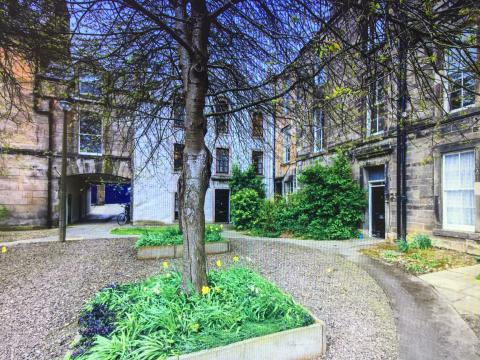 One bedroom property to let, Hope Park Square, Southside