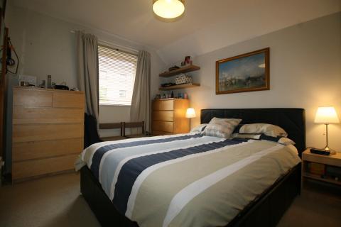 Two bedroom property to let, Elliot Street, Easter Road