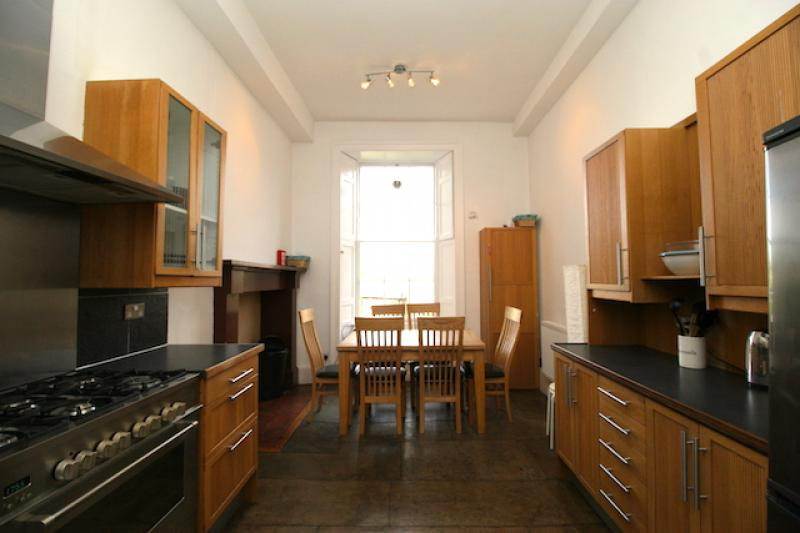 Four bedroom property to let, Dublin Street, New Town
