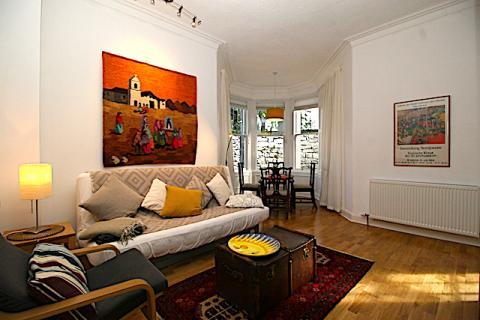 Two bedroom property to let, Leven Terrace, Bruntsfield