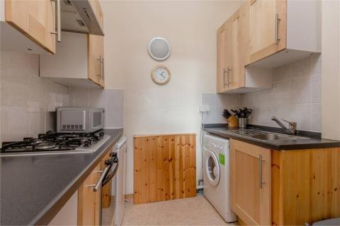 One bedroom property to let, Balcarres Street, Morningside
