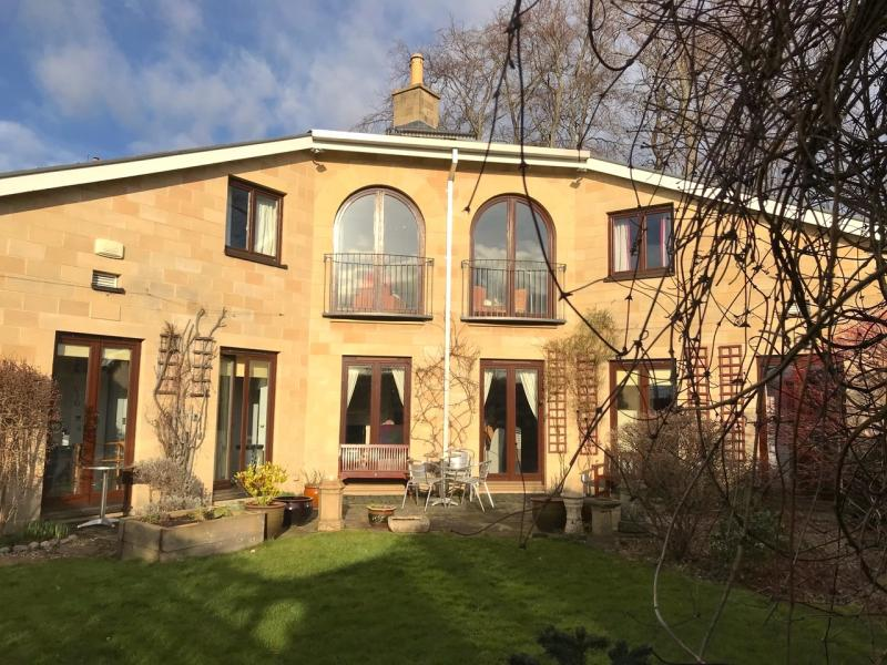 Two bedroom property to let, Inverleith Avenue, Inverleith