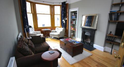 One bedroom property to let, Montgomery Street, Hillside