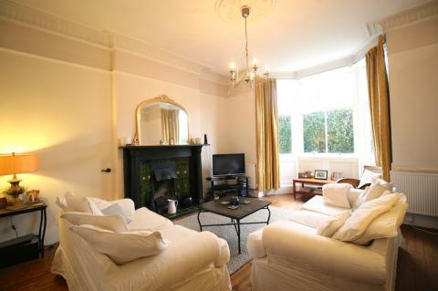 Three bedroom property to let, Granton Road, Trinity