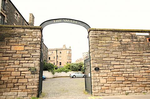 Two bedroom property to let, The Vaults, Giles Street, Leith