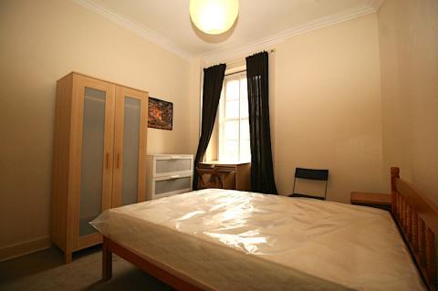 Two bedroom property to let, Leven Street, Bruntsfield