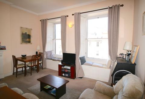 One bedroom property to let, Frederick Street, New Town