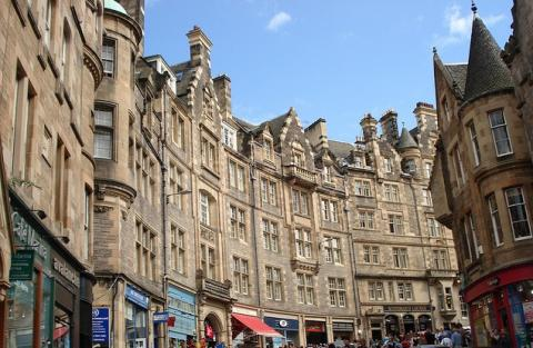 Four bedroom property to let, Cockburn Street, Edinburgh
