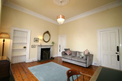 One bedroom property to let, Bellevue Crescent, New Town