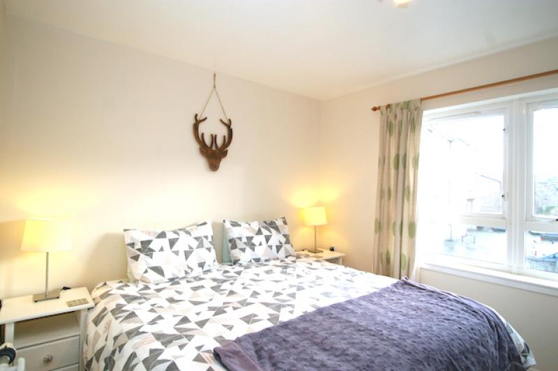 Two bedroom property to let, Whyte Place, Meadowbank