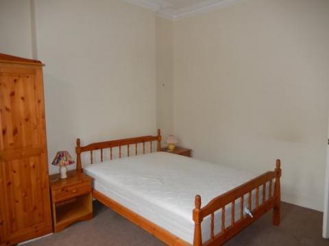 One bedroom property to let, Drumdryan Street, Tollcross