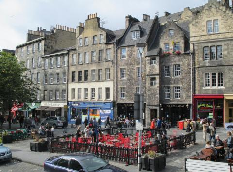 Two bedroom property to let, Grassmarket, Grassmarket