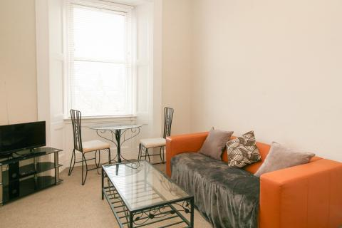 Two bedroom property to let, Upper Grove Place, Fountainbridge