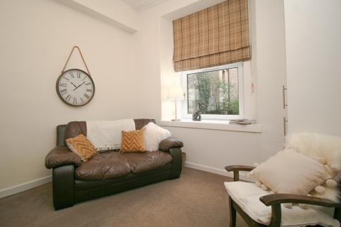 Three bedroom property to let, Grove Street, Fountainbridge