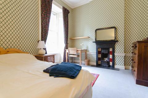 Four bedroom property to let, Rankeillor Street, Newington