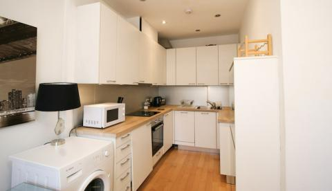 One bedroom property to let, William Street, West End
