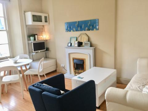 One bedroom property to let, St Stephen Place, Stockbridge