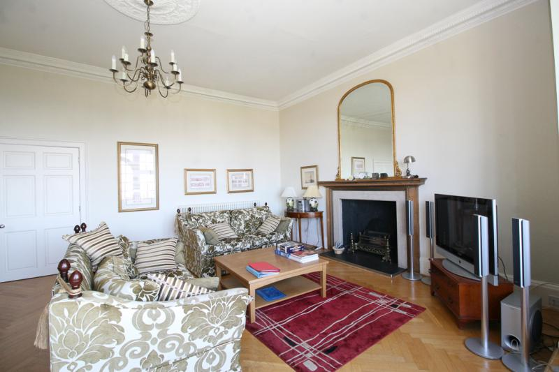 Four bedroom property to let, Ramsay Garden, Old Town