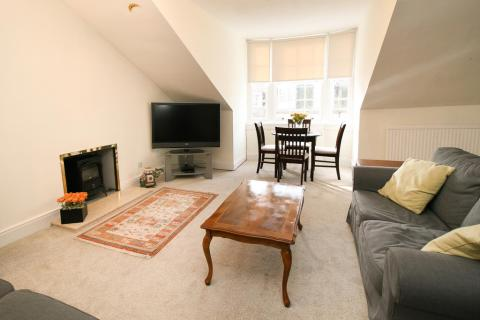 Two bedroom property to let, Albany Street, New Town