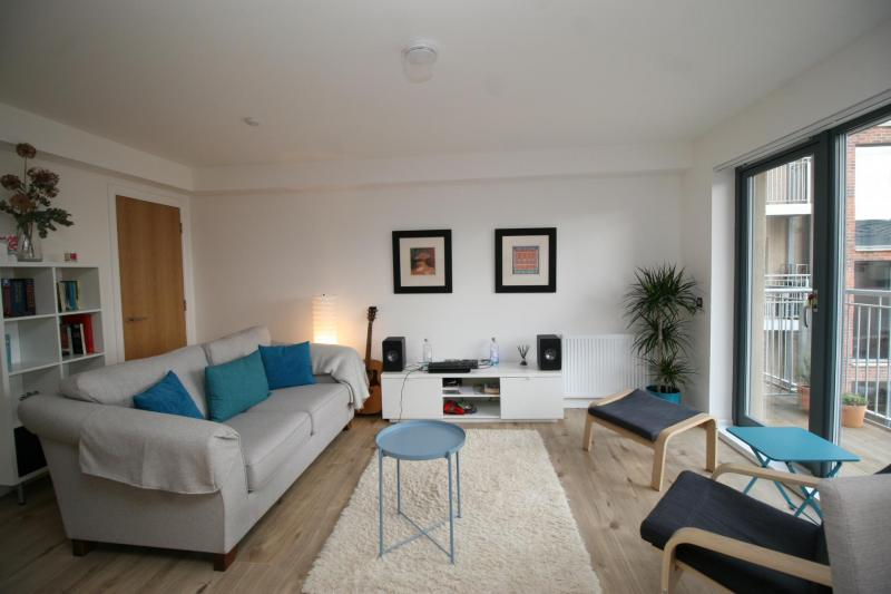 Two bedroom property to let, Anderson Place, Bonnington